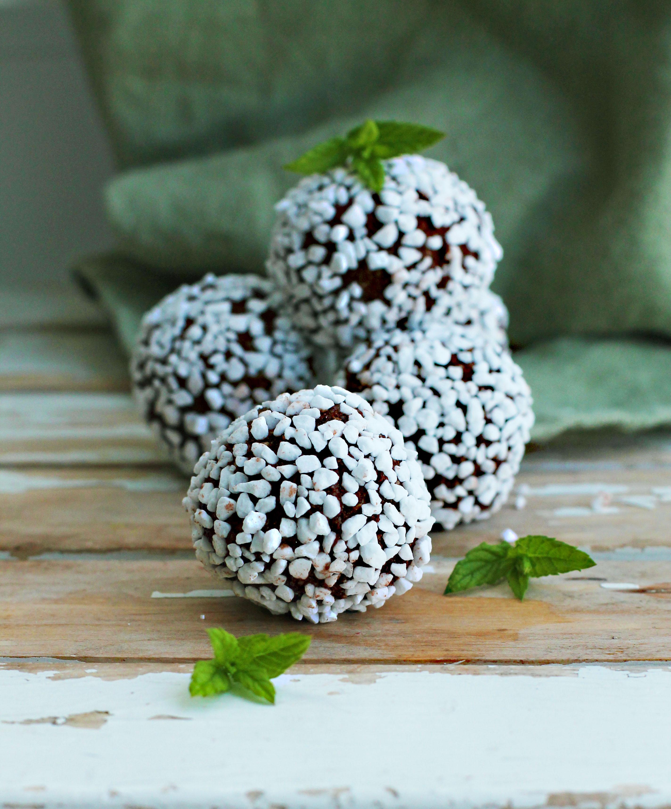 Recept på veganska chokladbollar med mintsmak